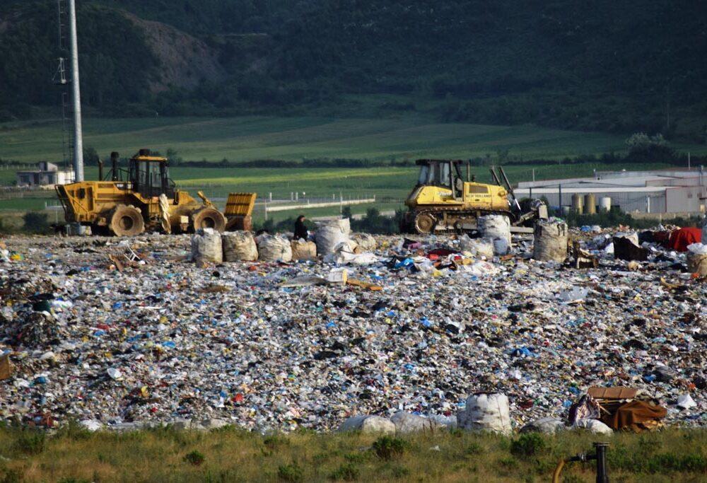 """Emergjencë mjedisore dhe financiare, incerenatori jo funksional i Fierit """"gllabëron"""" çdo vit 7,5 mln euro"""