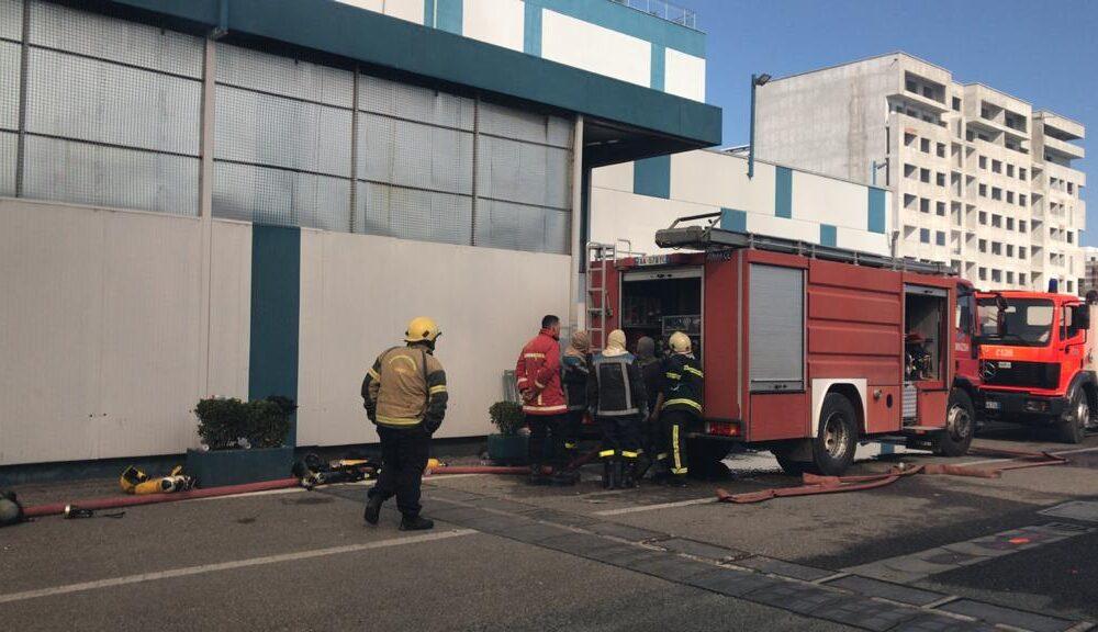 Akuza dhe kundër akuza! Përse zjarrfikëset nuk ndërhynë në kohë?